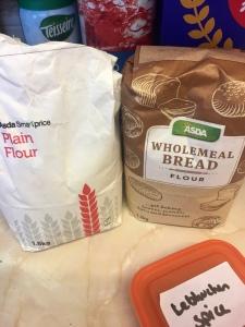 Flour, wholemeal flour and lebkuchen spices